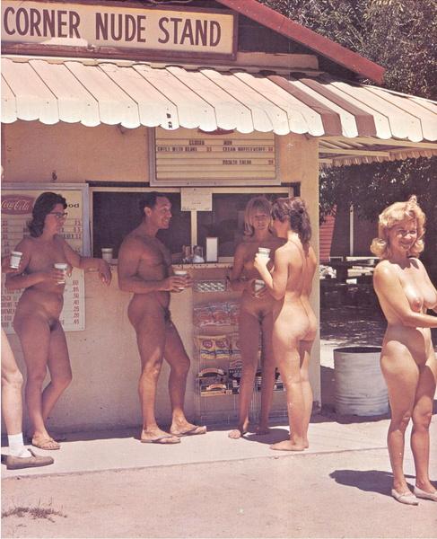 16 nudistes non nus