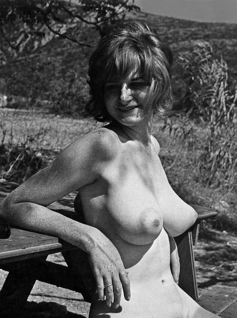 Retro Perversium: Vintage 70s Nudes